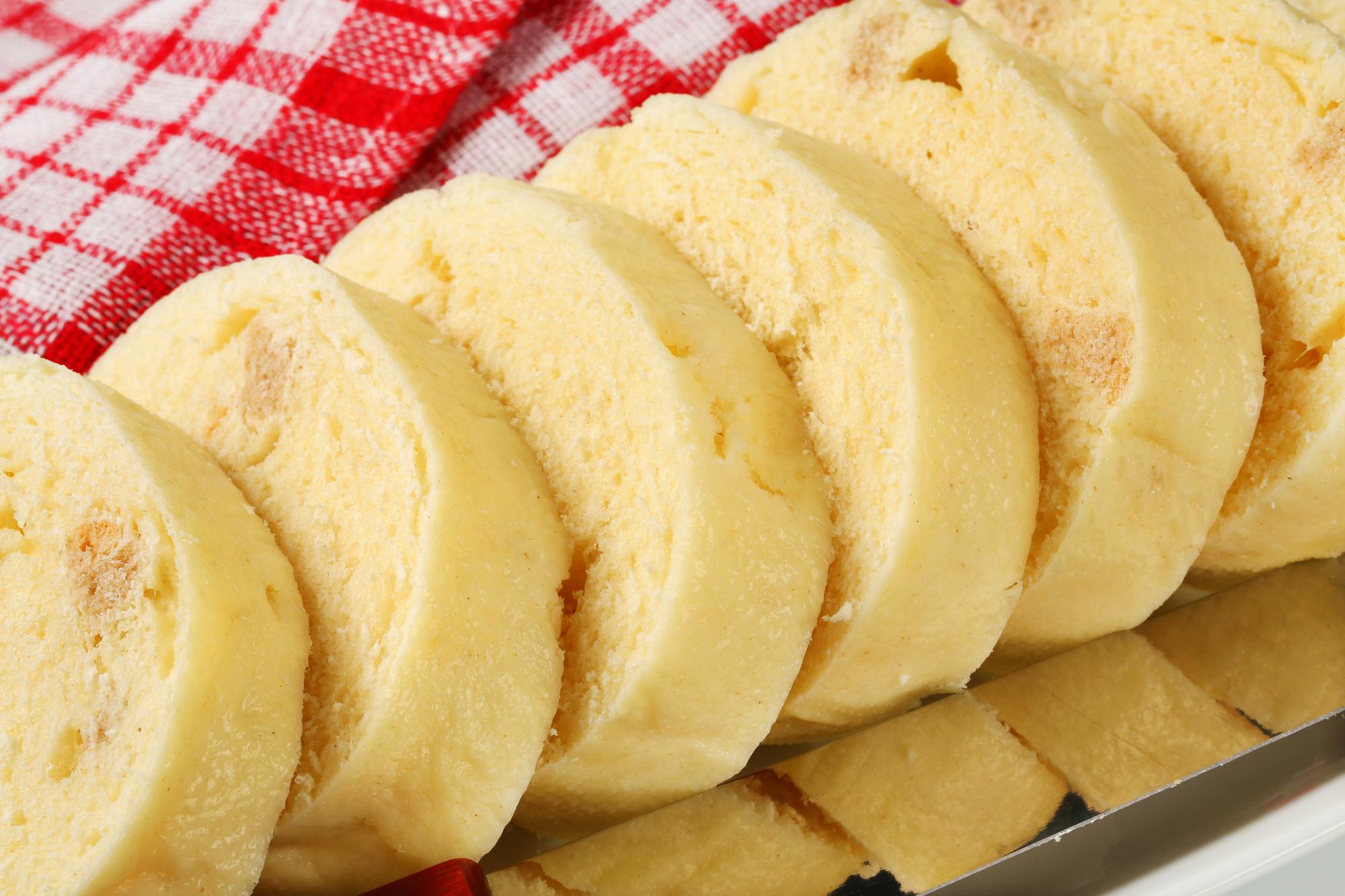 Domácí houskové kynuté knedlíky recept