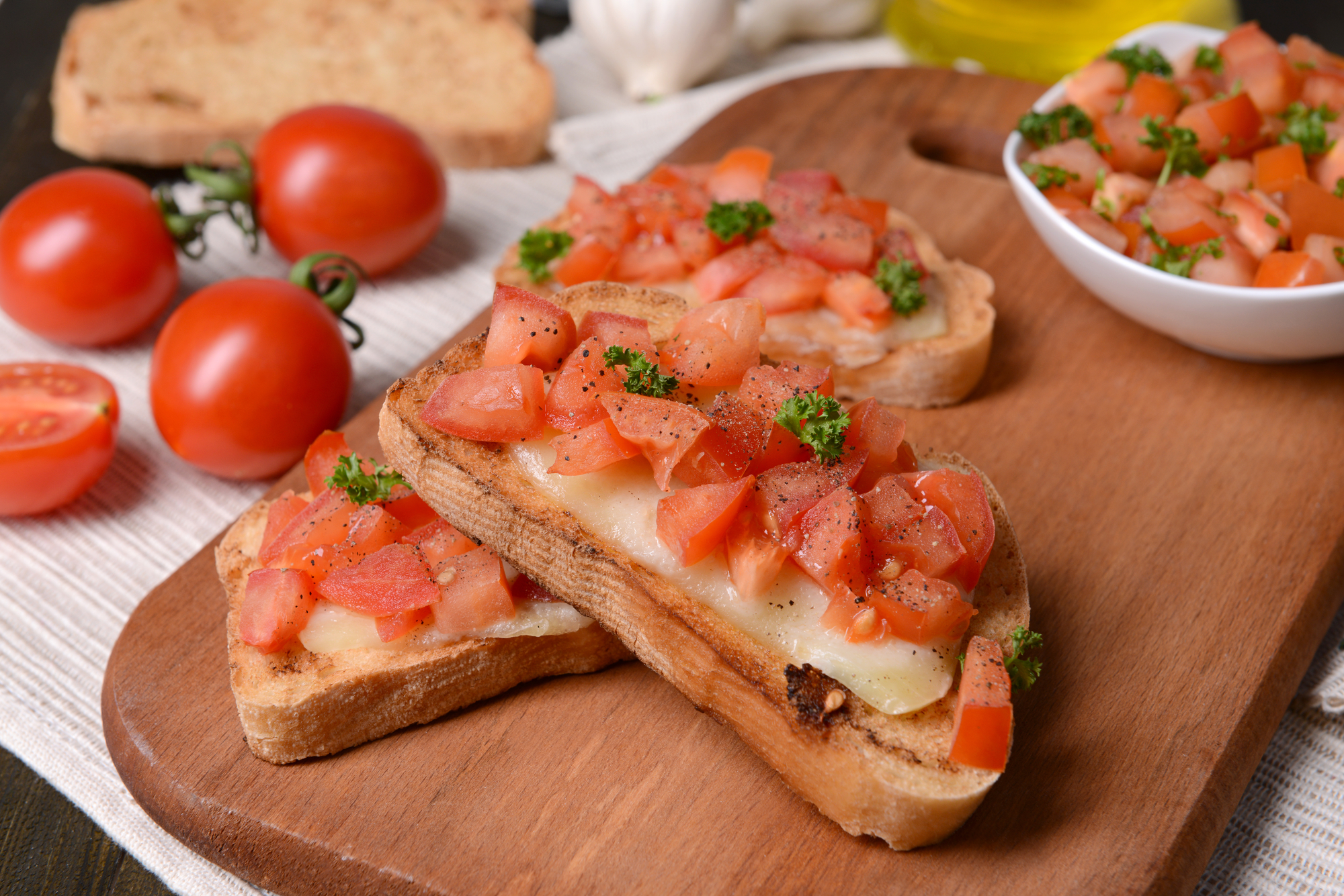 Tousty s rajčaty recept